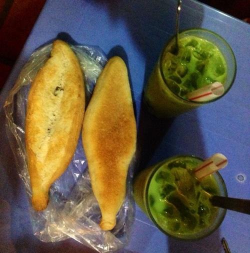 Bánh mì Pate bác Hiệp